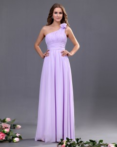 Hoe vindt je online goedkope jurken?
